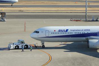 JA8669 - ANA - All Nippon Airways Boeing 767-300