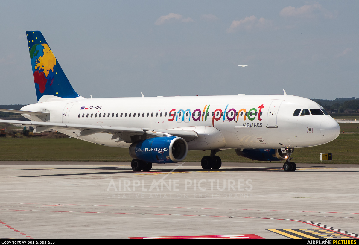 Small Planet Airlines SP-HAH aircraft at Katowice - Pyrzowice