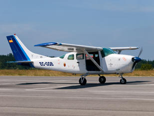 EC-GQB - Private Cessna 205