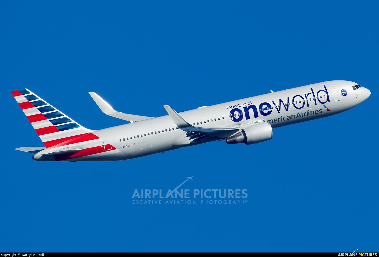 American Airlines N343AN aircraft at London - Heathrow