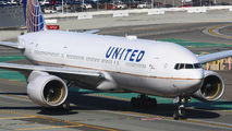 N210UA - United Airlines Boeing 777-200 aircraft