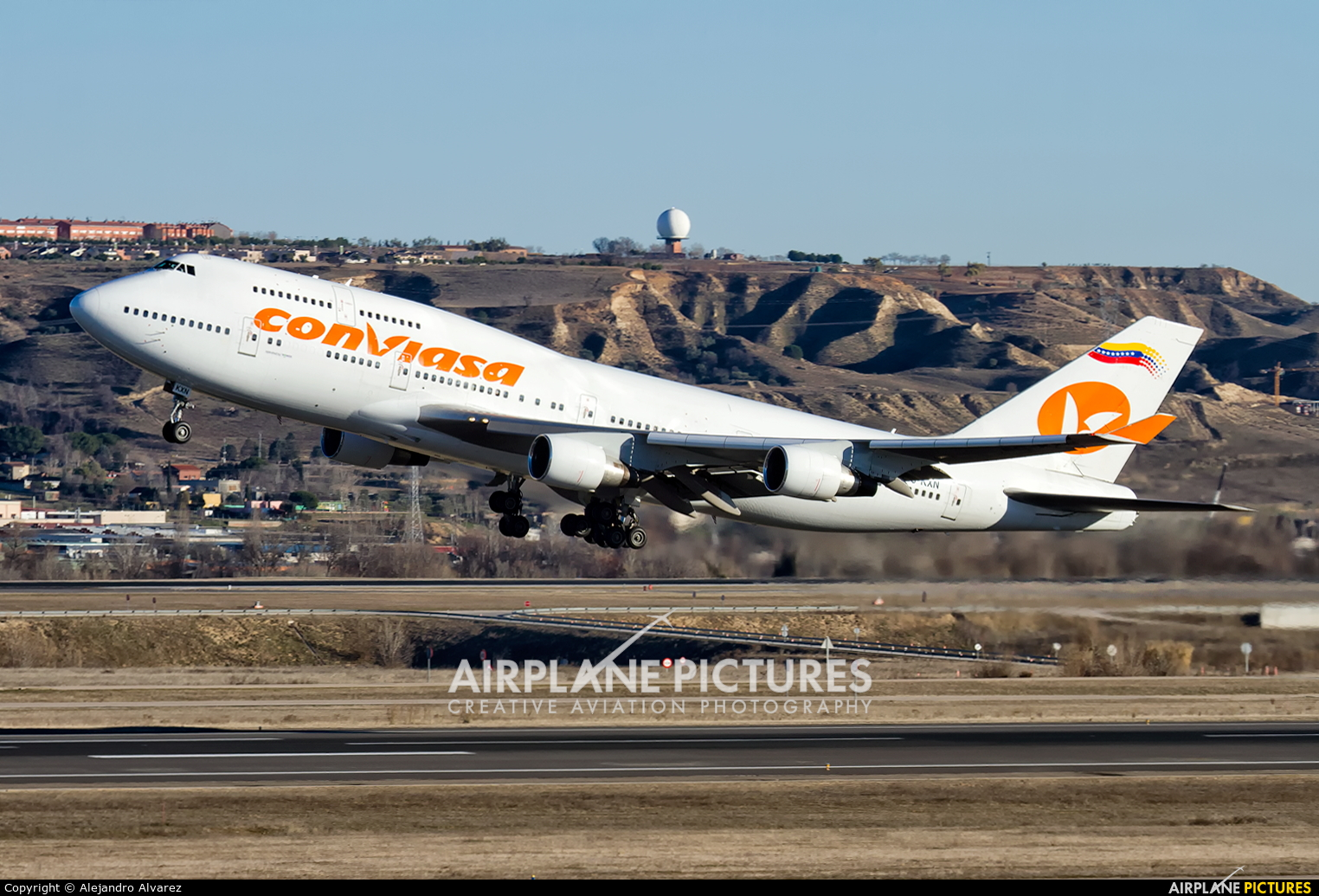 Conviasa EC-KXN aircraft at Madrid - Barajas