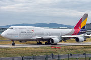HL7428 - Asiana Airlines Boeing 747-400 aircraft