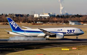JA820A - ANA - All Nippon Airways Boeing 787-8 Dreamliner