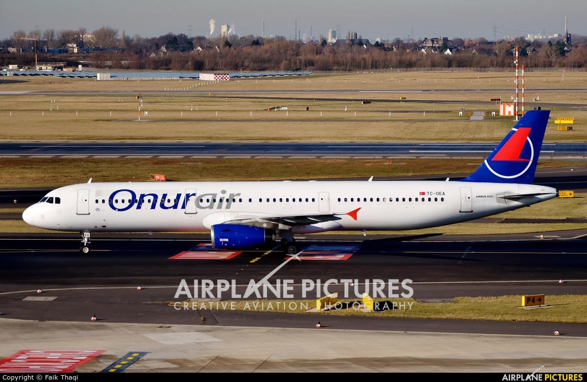 Onur Air TC-OEA aircraft at Düsseldorf