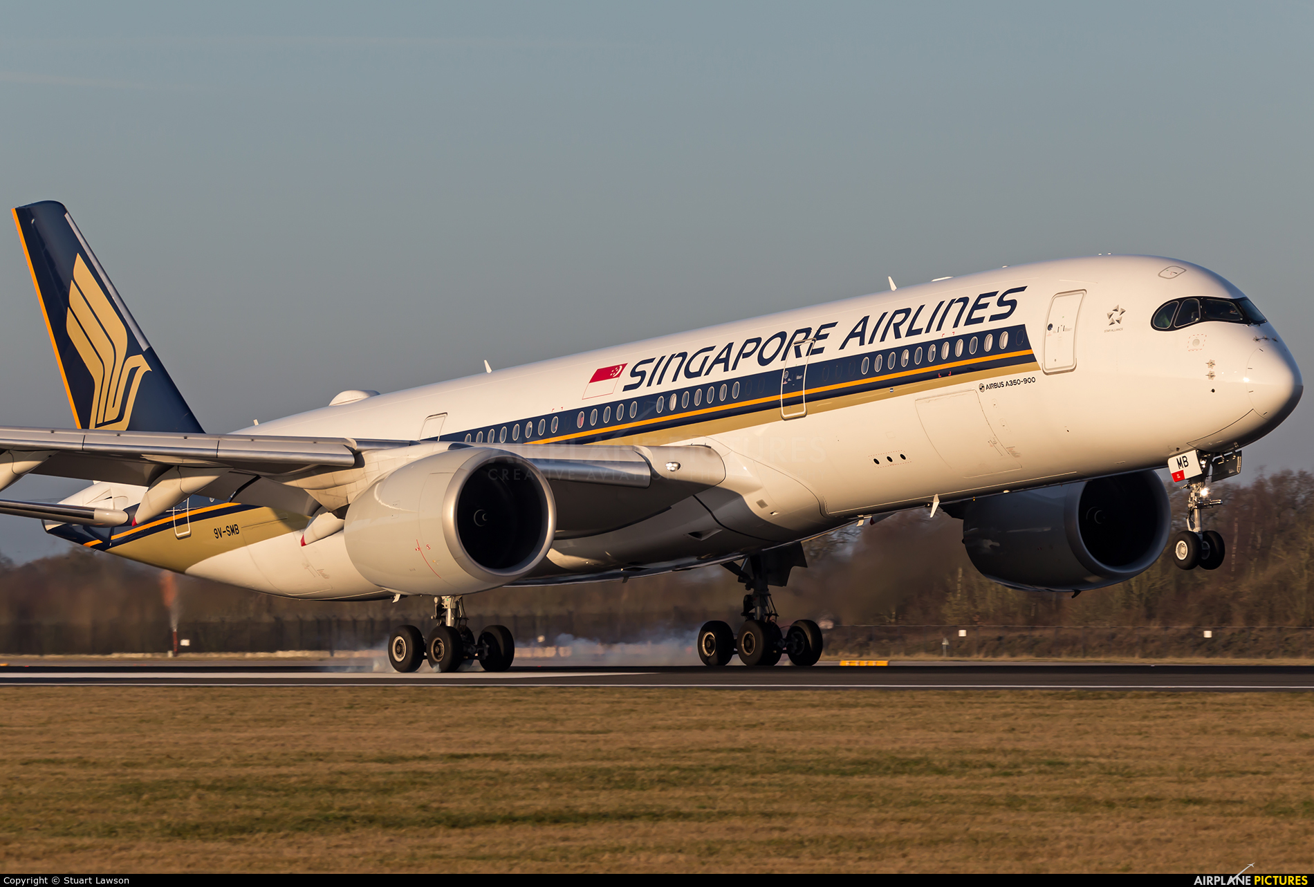 Singapore Airlines 9V-SMB aircraft at Manchester