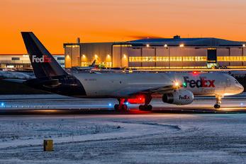 N916FD - FedEx Federal Express Boeing 757-200F