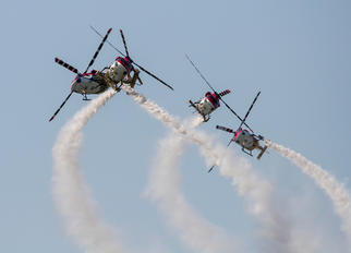J4042 - India - Air Force: Sarang Display Team Hindustan Dhruv