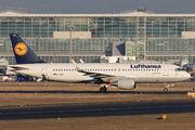 D-AIUN - Lufthansa Airbus A320 aircraft