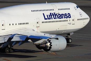 D-ABYR - Lufthansa Boeing 747-8