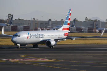 N981NN - American Airlines Boeing 737-800