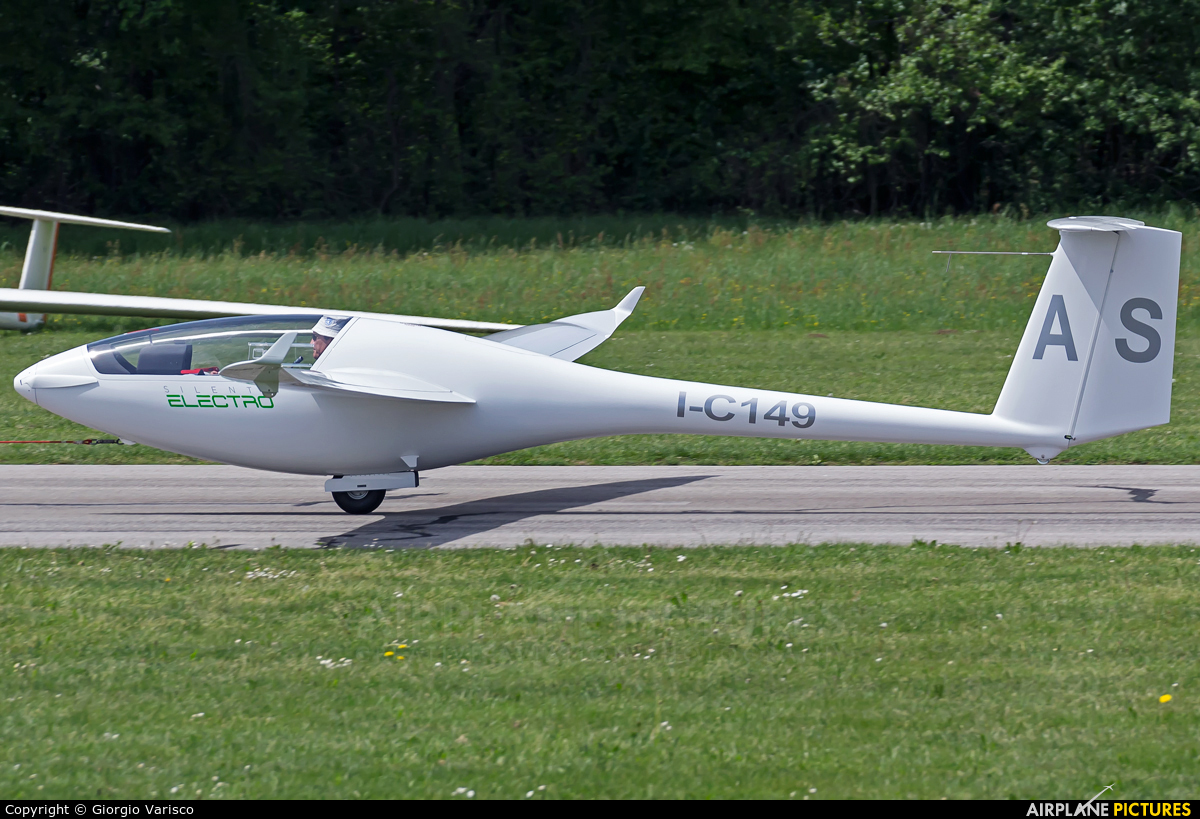 Private I-C149 aircraft at Alzate Brianza