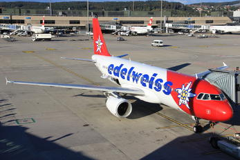 HB-IJV - Edelweiss Airbus A320