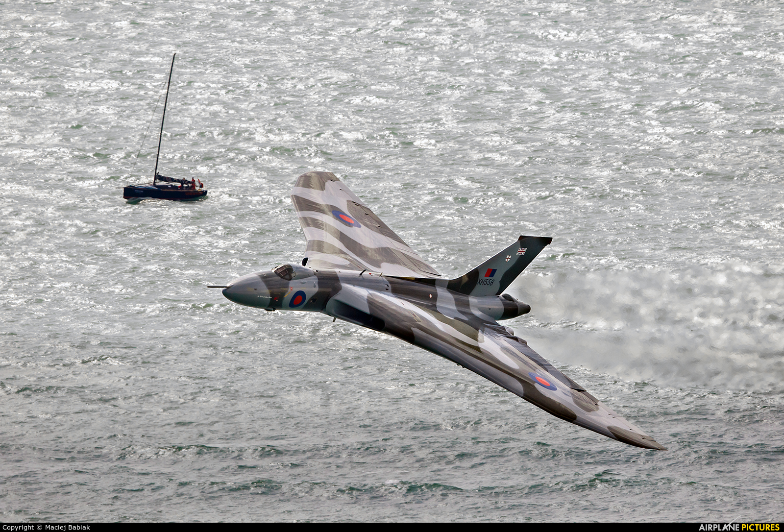 Vulcan to the Sky Trust XH558 aircraft at Eastbourne - Off-Airport