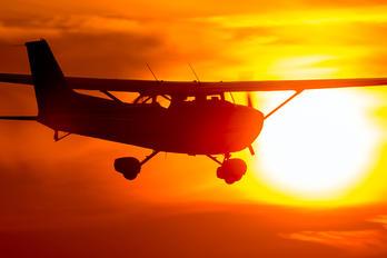 PH-TVG - Special Air Services Cessna 172 Skyhawk (all models except RG)