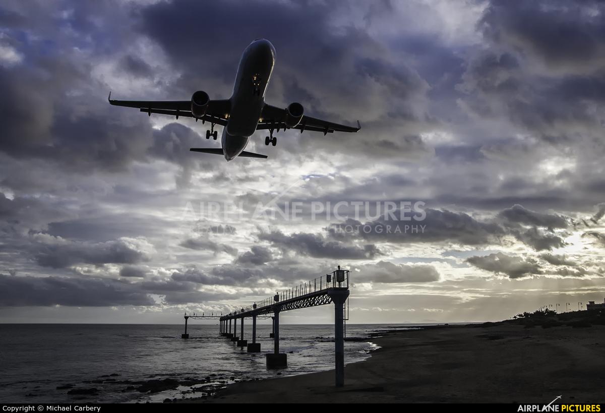 EasyJet Airbus A320 At Lanzarote