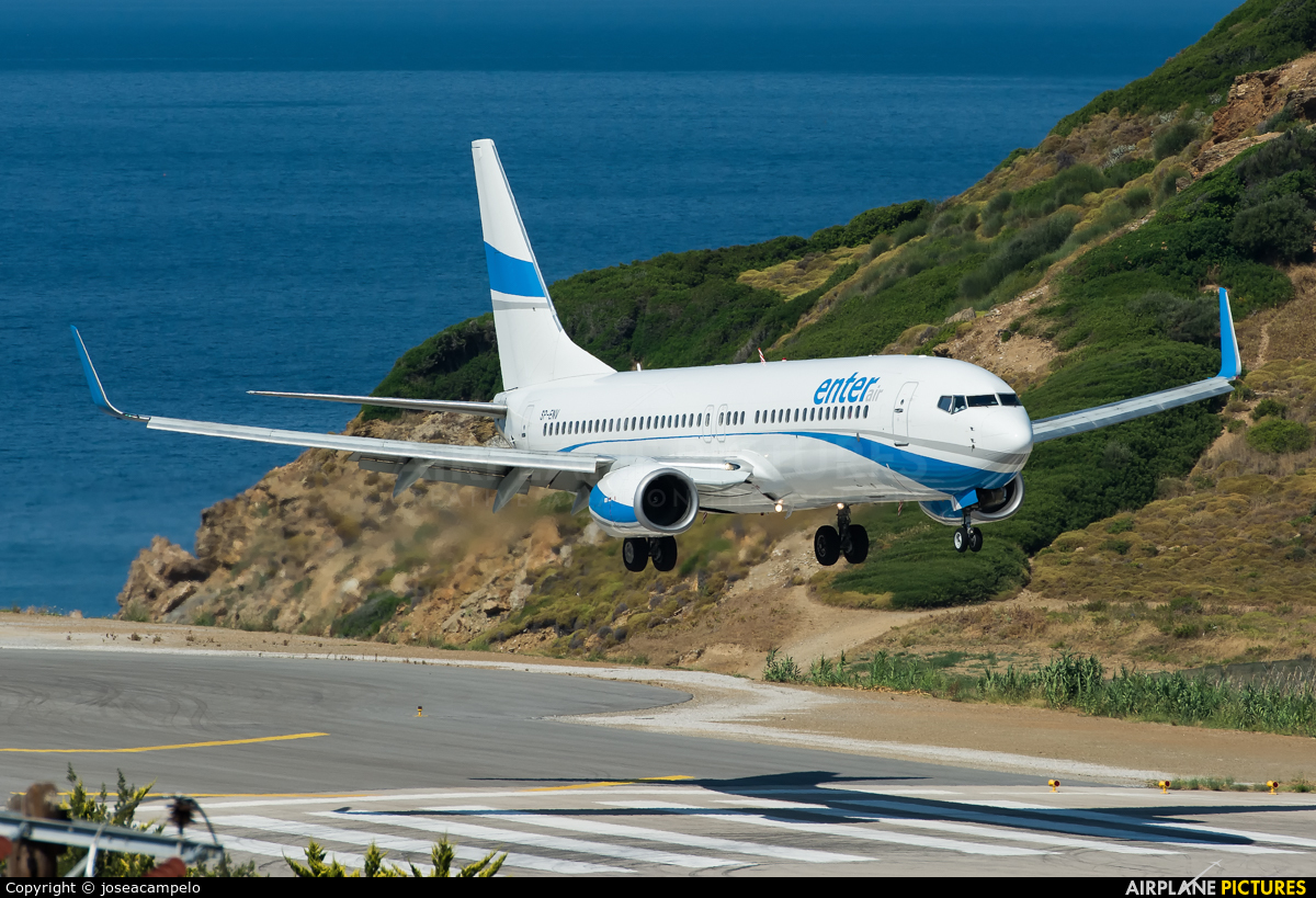 Enter Air SP-ENV aircraft at Skiathos