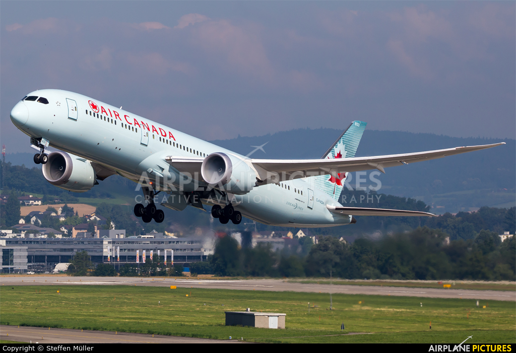 Air Canada C-FNOH aircraft at Zurich