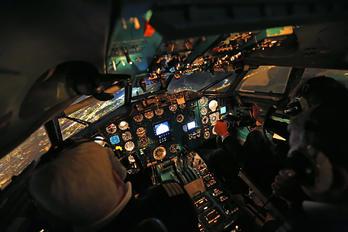 - -  Tupolev Tu-154M
