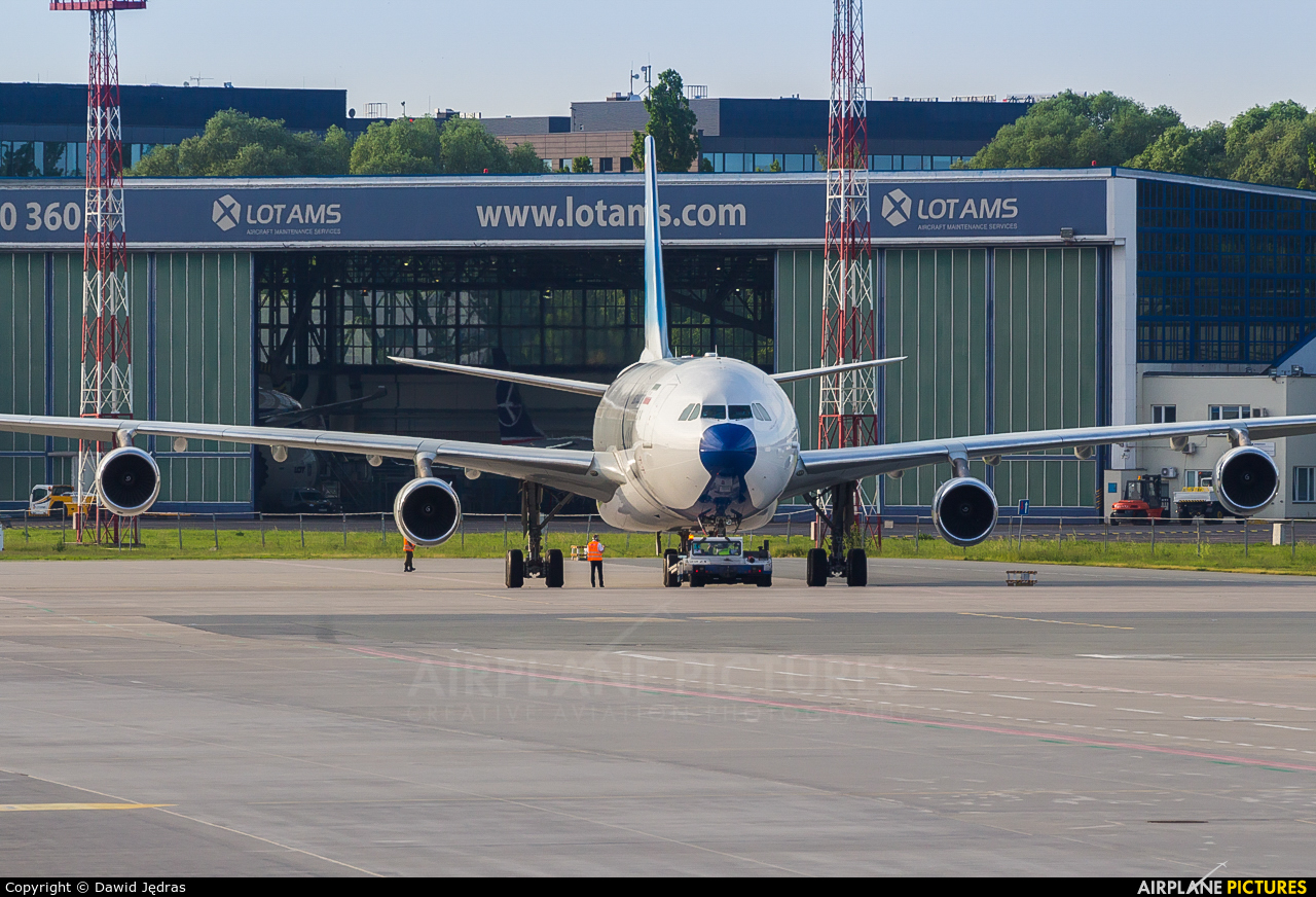 Iran - Government EP-AJA aircraft at Warsaw - Frederic Chopin