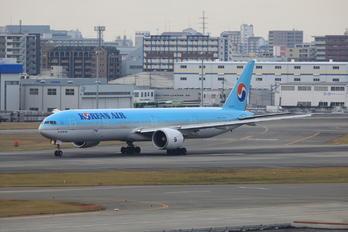 HL8274 - Korean Air Boeing 777-300ER