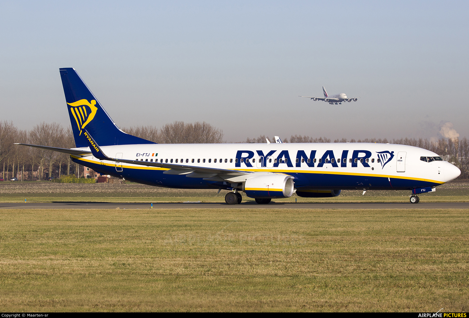 EI-FTJ - Ryanair Boeing 737-800 at Amsterdam - Schiphol   Photo ID 832927   Airplane-Pictures.net