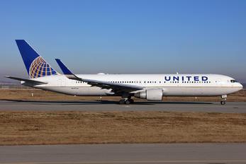N657UA - United Airlines Boeing 767-300ER