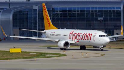 TC-AAU - Pegasus Boeing 737-800
