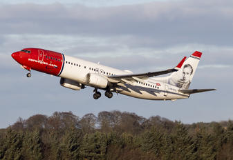 LN-DYC - Norwegian Air Shuttle Boeing 737-800