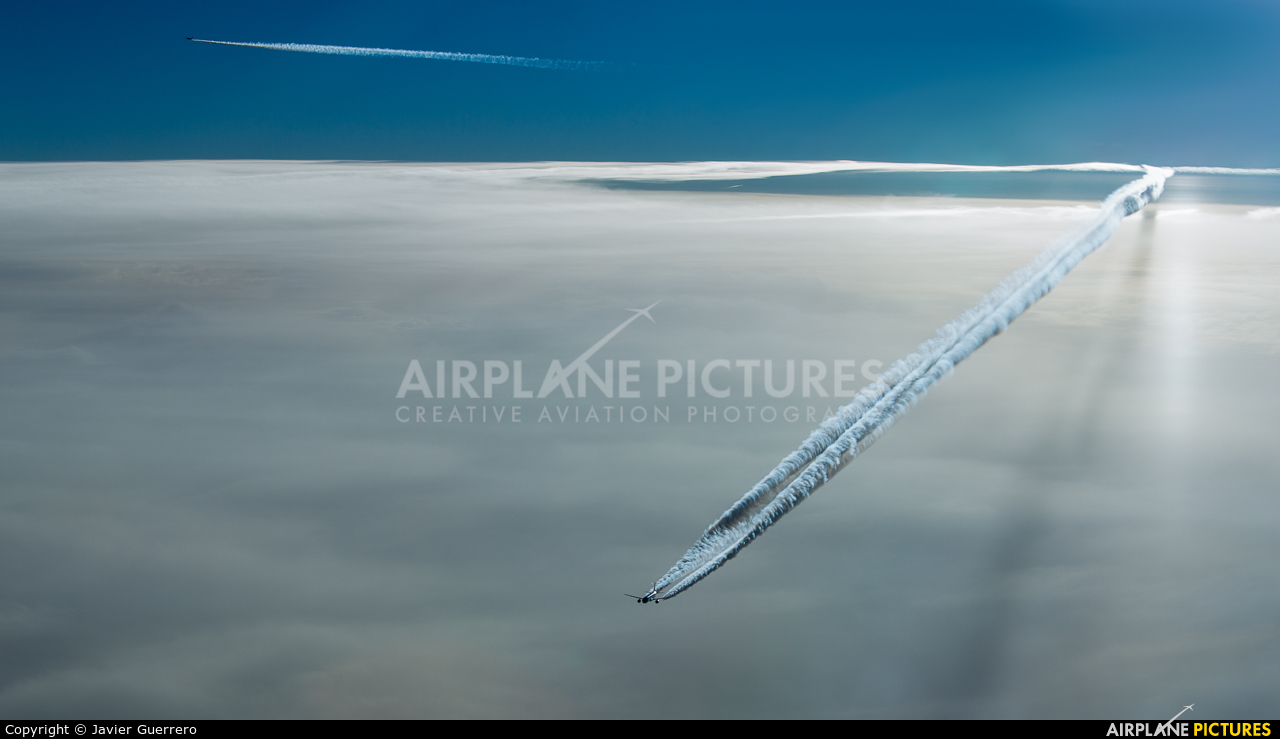 - aircraft at In Flight - International