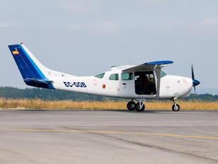 EC-GQB - Private Cessna 205