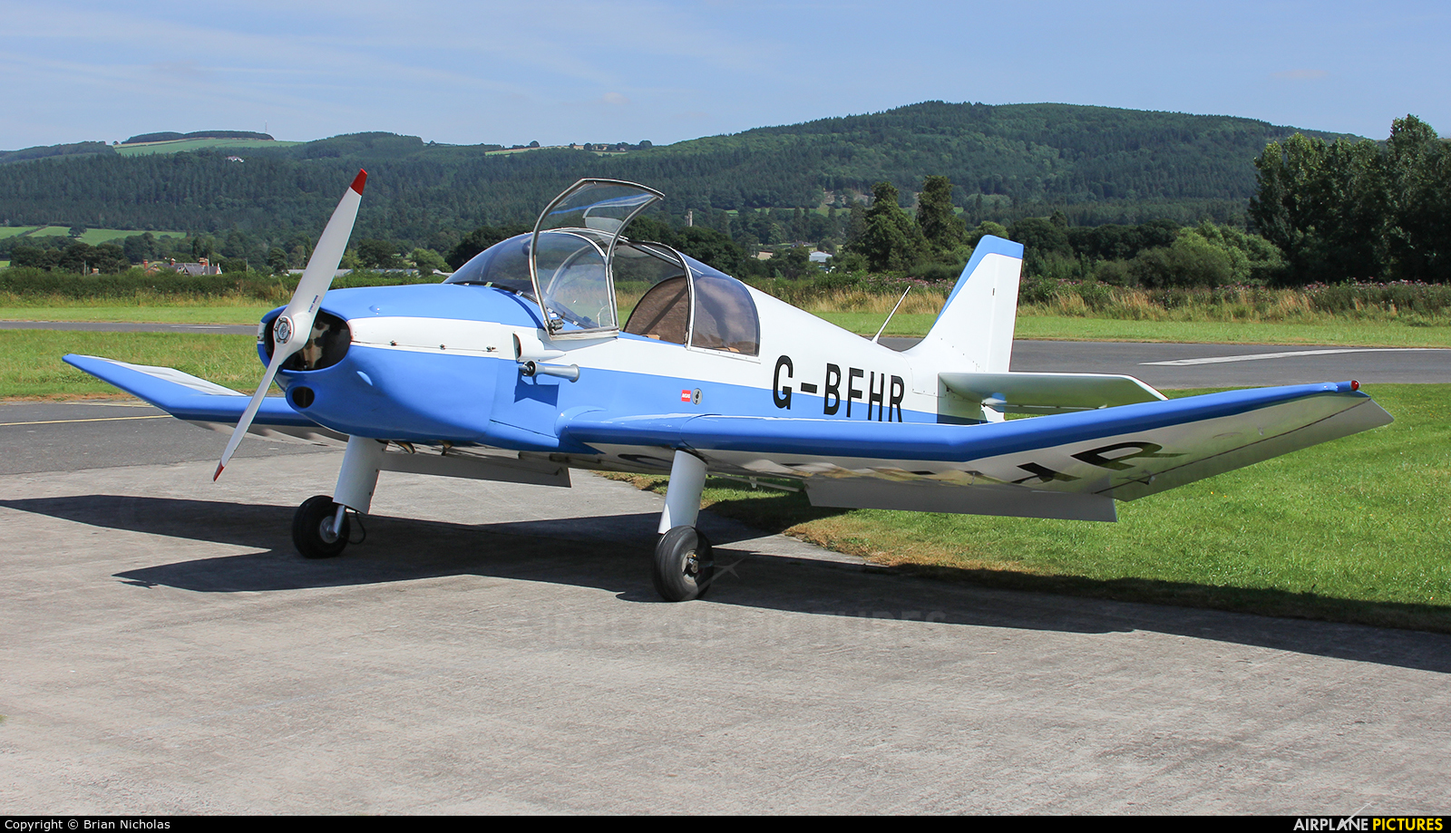 Private G-BFHR aircraft at Welshpool