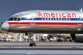 N182AN - American Airlines Boeing 757-200