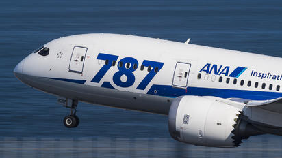 JA822A - ANA - All Nippon Airways Boeing 787-8 Dreamliner