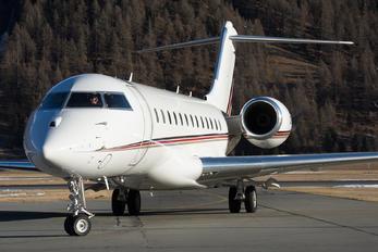 CS-GLC - NetJets Europe (Portugal) Bombardier BD-700 Global 6000