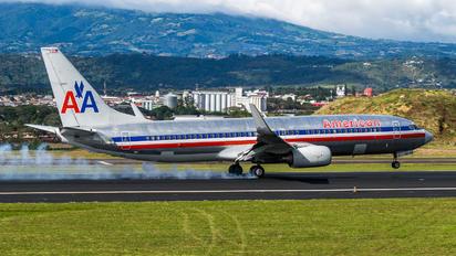 N937AN - American Airlines Boeing 737-800