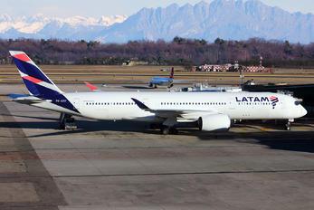 PR-XTF - LATAM Airbus A350-900