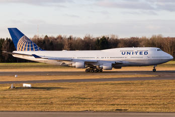 N104UA - United Airlines Boeing 747-400