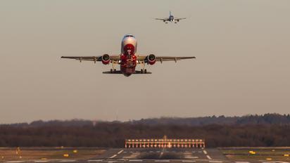 - - Air Berlin Airbus A320
