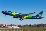Azul A330 in Porto title=