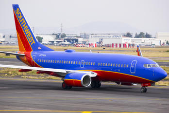 N7740A - Southwest Airlines Boeing 737-700