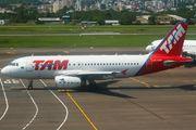 PT-TMG - TAM Airbus A319 aircraft