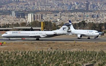 EP-CFM - Iran Air Fokker 100