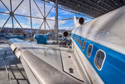 N7001U - United Airlines Boeing 727-100 aircraft