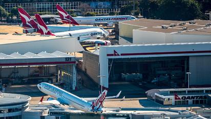 - - Virgin Australia Boeing 737-800