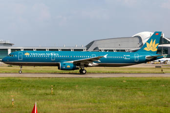 VN-A324 - Vietnam Airlines Airbus A321
