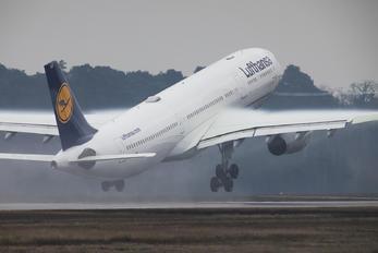 D-AIKD - Lufthansa Airbus A330-300