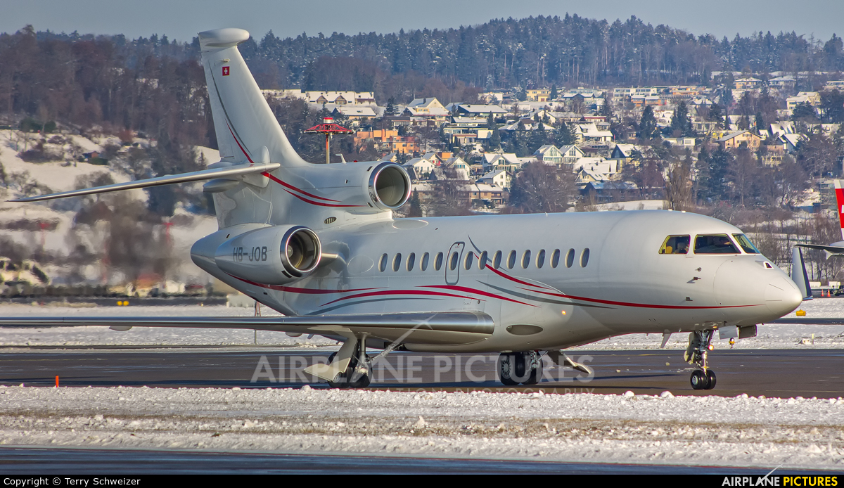 Private HB-JOB aircraft at Zurich
