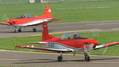 A-932 - Switzerland - Air Force: PC-7 Team Pilatus PC-7 I & II