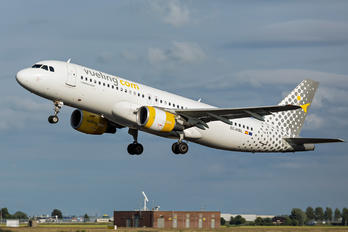 EC-MBL - Vueling Airlines Airbus A320